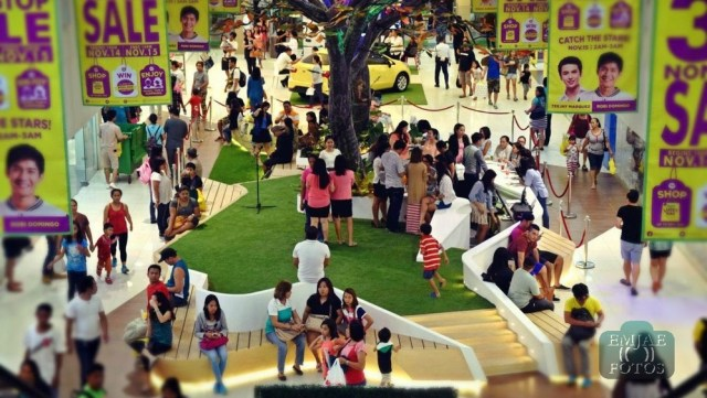Shoppers Rediscover Life Indoor Parkmall