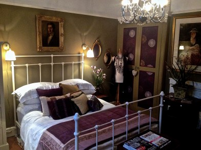 Bedroom showing the original Victorian built in cupbaord.