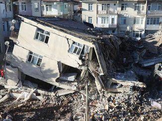 Deprem sonrasında Elazığ'da acil yıkılacak binaların