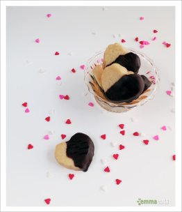 Chocolate-dipped Classic Shortbread Hearts | EmmaEats