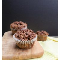Banana Chocolate Chip Muffins with Cinnamon Crumble, Vegan & Traditional