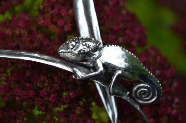 Chameleon-Necklace-2---Emma-Keating-Jewellery