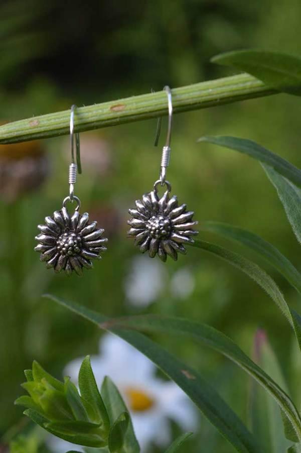 Daisy-Drops-2---Emma-Keating-Jewellery