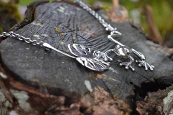 Frog-&-Leaf-large-4---Emma-Keating-Jewellery