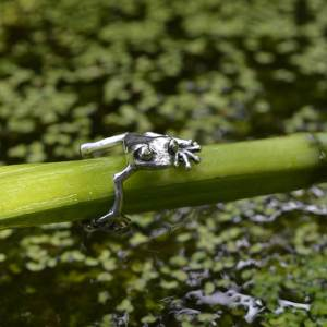 Frog-Ring-1-1---Emma-Keating-Jewellery