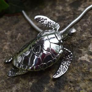 Green-Sea-Turtle-1---Emma-Keating-Jewellery