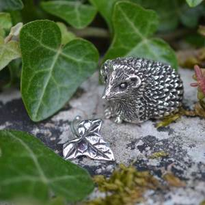 Hedgehog-&-Ivy-Leaf---Emma-Keating-Jewellery-1