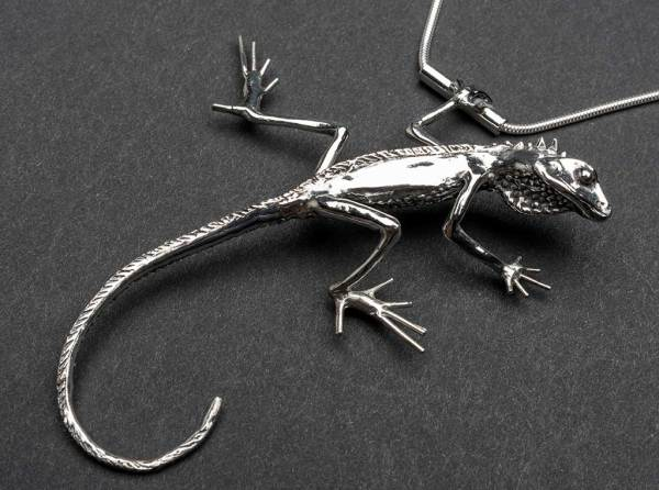Lizard-Pendant-6---Emma-Keating-Jewellery