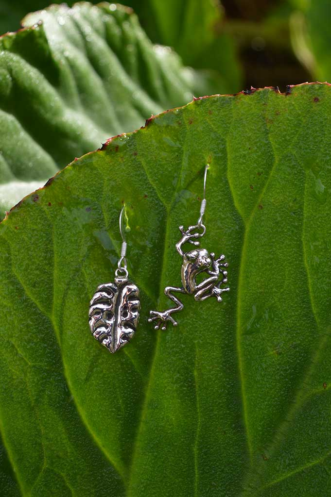 frog-&-leaf-drops-1---Emma-Keating-Jewellery