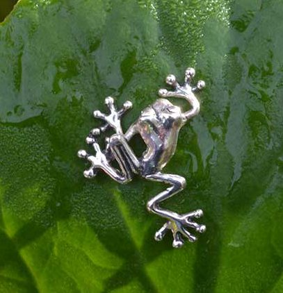 frog-&-leaf-mini-1---Emma-Keating-Jewellery