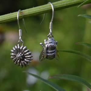Bee-&-Daisy-Drops-2---Emma-Keating-Jewellery