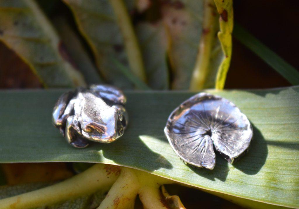 Frog & Lilypad earrings - Emma Keating Jewellery