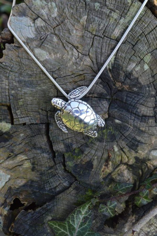 Green Sea Turtle Pendant (small) - Emma Keating Jewellery