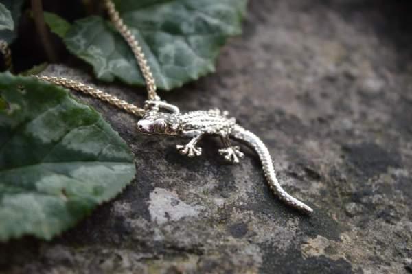Moorish Gecko Pendant in gold - Emma Keating Jewellery