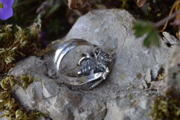 Queen Bee Ring underside s - Emma Keating Jewellery