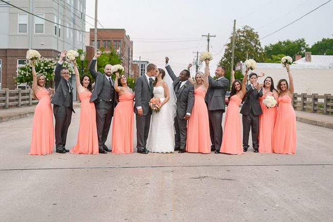 the entire wedding party | photo: Photos by Kristopher | via http://emmalinebride.com