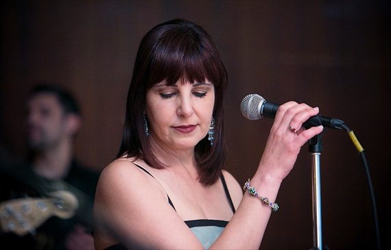 Dennis Drenner Photographs - evergreen house wedding - reception singer