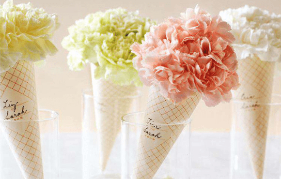 Diy wedding flowers carnation cones burlap bouquets emmaline bride these would make beautiful bridesmaid bouquets plus print the free pink tag for added girly charm spotted via everyday occasions get the full diy solutioingenieria Gallery
