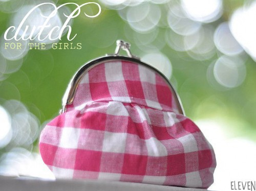 picnic wedding - gingham clutch for bridesmaids