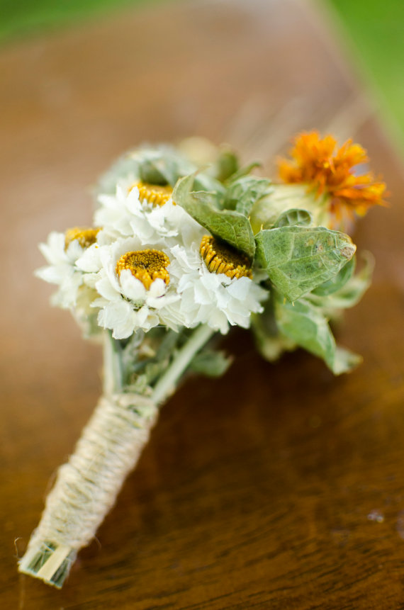 fall boutonniere - fall wedding ideas on a budget