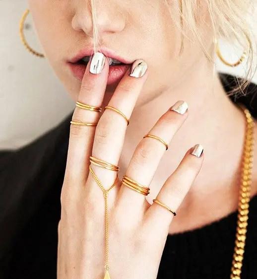 silver-nail-wraps