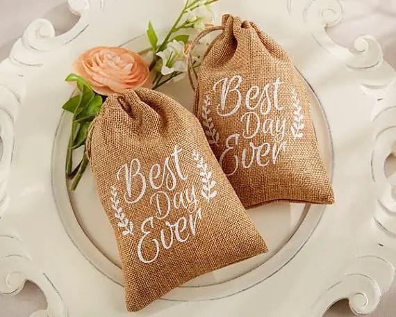 Top 10 Burlap Wedding Ideas For Spring & Summer