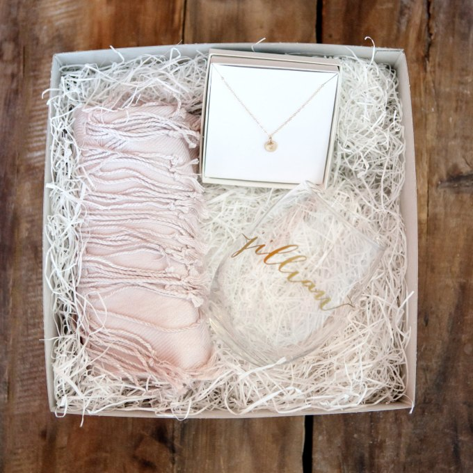 Bridesmaid Gift Box | by Deighan Design | http://emmalinebride.com/gifts/bridesmaid-gift-box/