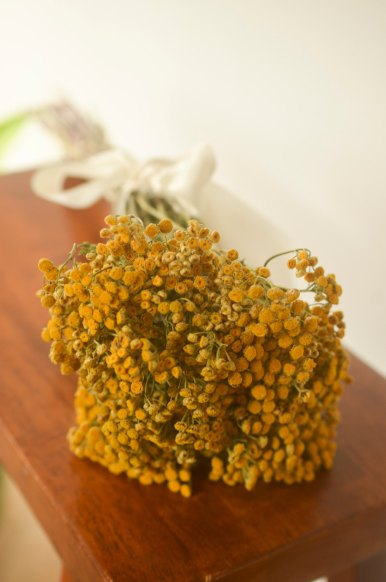 dried tansy bouquet