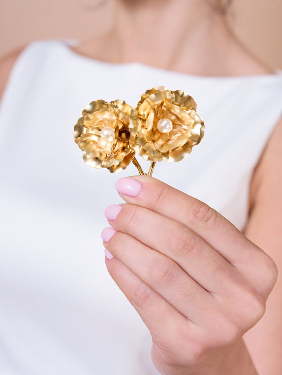 gold flower bobby pins