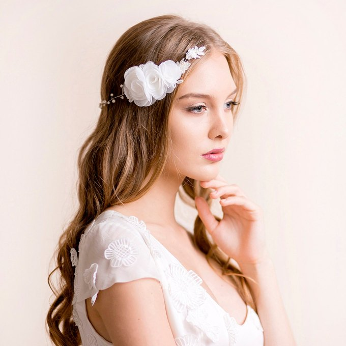 bridal headpiece hair chain hair down hairstyle | hairstyles accessories weddings | http://emmalinebride.com/bride/hairstyles-accessories-weddings/ | via florentes: http://etsy.me/22yo1LX