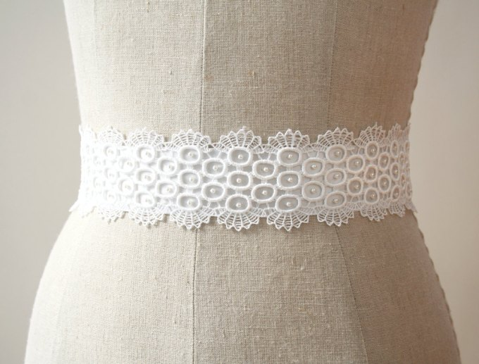 Lace bridal sash with small pearl-like beads | by Laura Stark | sashes dress | http://emmalinebride.com/bride/bridal-sashes-dress
