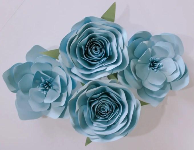 Paper Flower Backdrops Weddings by A Paper Event | http://emmalinebride.com/reception/paper-flower-backdrops/