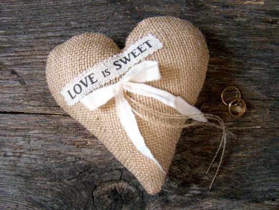 love is sweet burlap heart ring pillow | 41 Beautiful Rustic Ring Pillows Etsy | http://emmalinebride.com/rustic/ring-pillows-etsy-weddings/