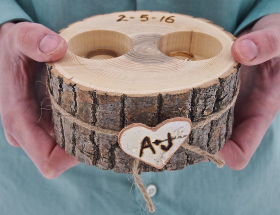 wooden ring holder with two carved spaces | 41 Beautiful Rustic Ring Pillows on Etsy | http://emmalinebride.com/rustic/ring-pillows-etsy-weddings/
