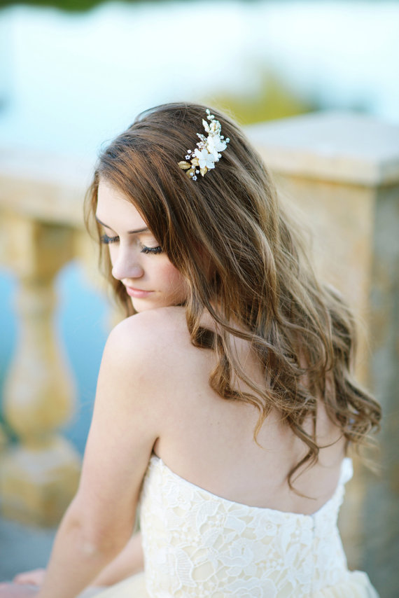 bride with hair down and pearl hair accessory | 50+ Best Bridal Hairstyles Without Veil | http://emmalinebride.com/bride/best-bridal-hairstyles