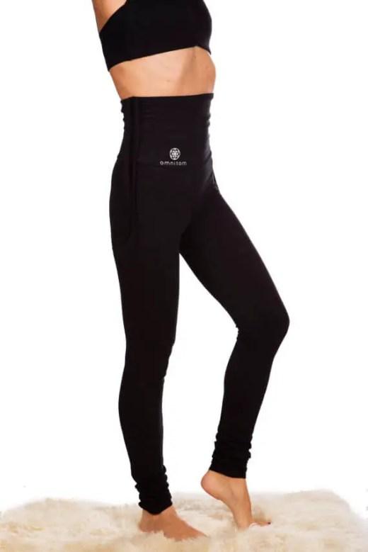 black yoga pants by omnitom