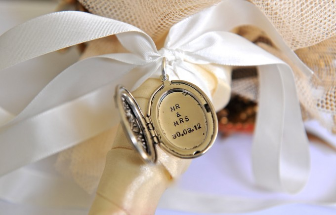 mr mrs bouquet charm locket by sevenblueberries | via 15 Best Gifts for the Bride from Groom + Wedding Gifts for Bride from Groom | http://emmalinebride.com/gifts/gifts-for-the-bride-from-groom/