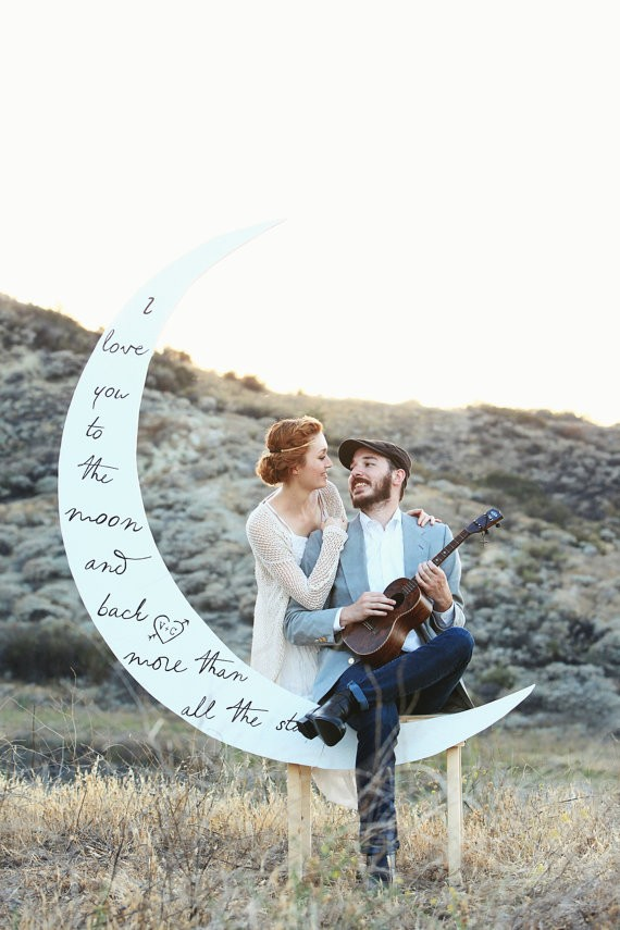 moon backdrop via 26 Things Guests Love at Weddings from A to Z   http://emmalinebride.com/planning/things-guests-love-at-weddings/