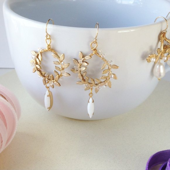 laurel-wreath-earrings-on-cup