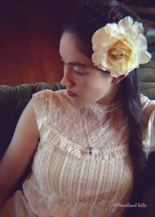 magenta-flower-necklace-on-bride