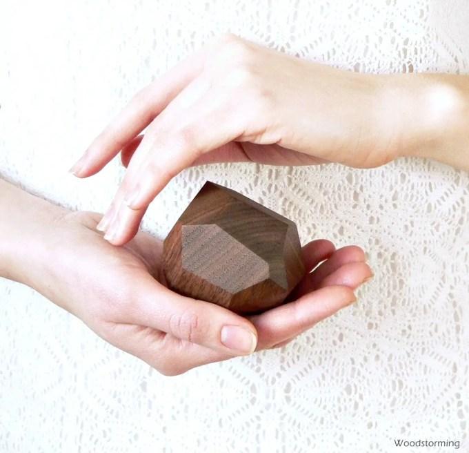 Wood ring bearer box by Woodstorming | http://emmalinebride.com/2016-giveaway/wood-ring-bearer-box/
