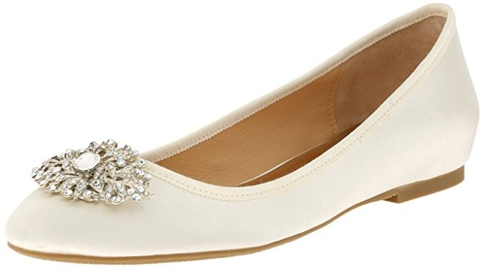 Bridal Flats | 21 Wedding Flats That Will Look Beautiful for the Bride - http://emmalinebride.com/bride/wedding-flats-bride/