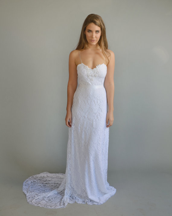 Casual Wedding Dresses: Laid-back Style for Happy Brides :)