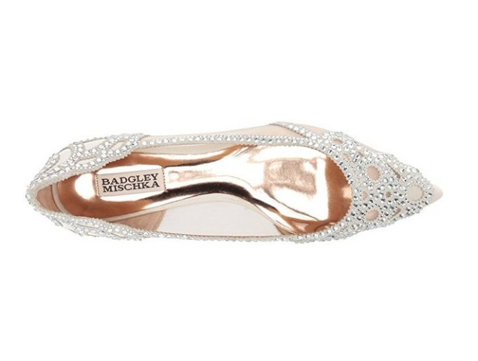 Pointed Flats | 21 Wedding Flats That Will Look Beautiful for the Bride - http://emmalinebride.com/bride/wedding-flats-bride/