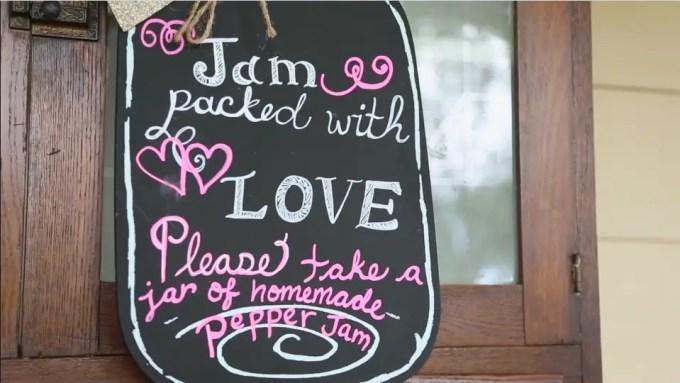wedding_favor_jam_chalkboard_sign_14