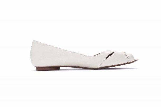 White Leather Bridal Flats | 21 Wedding Flats That Will Look Beautiful for the Bride - http://emmalinebride.com/bride/wedding-flats-bride/