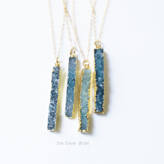 20+ Sparkling Druzy Bar Necklaces | http://emmalinebride.com/planning/druzy-bar-necklaces-bridesmaids/