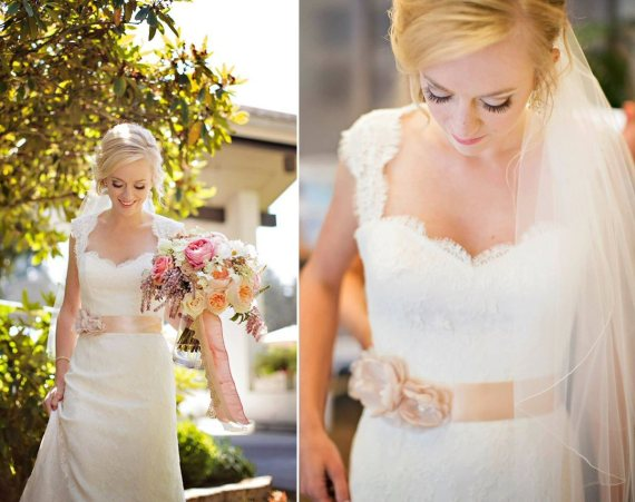 How to Tie a Wedding Dress Sash | Sash by Amy Anne Bridal | photo by Courtney Bowlden | via http://emmalinebride.com/bride/how-to-tie-wedding-dress-sash/