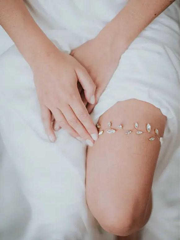 wedding garter with rhinestones - by davie and chiyo