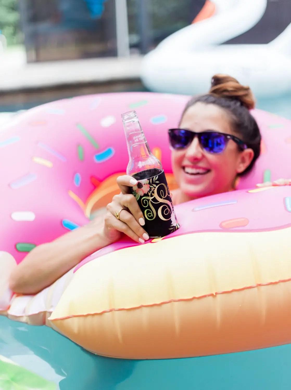 classy bachelorette party favors | via http://emmalinebride.com/bachelorette/classy-bachelorette-party-favors/